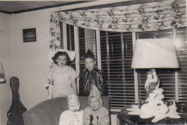 fieffer kids halloween.jpg