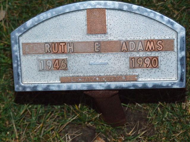 ADAMS Ruth E. dod 1990 DSCF2278.JPG