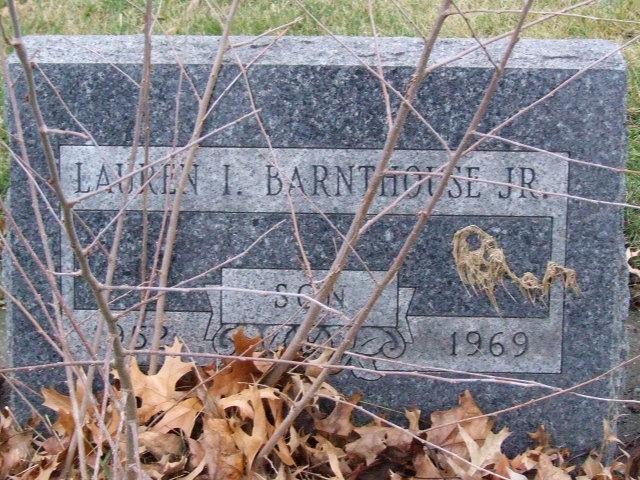 BARNTHOUSE Lauren I . Jr. son dod 1969 DSCF1955.JPG
