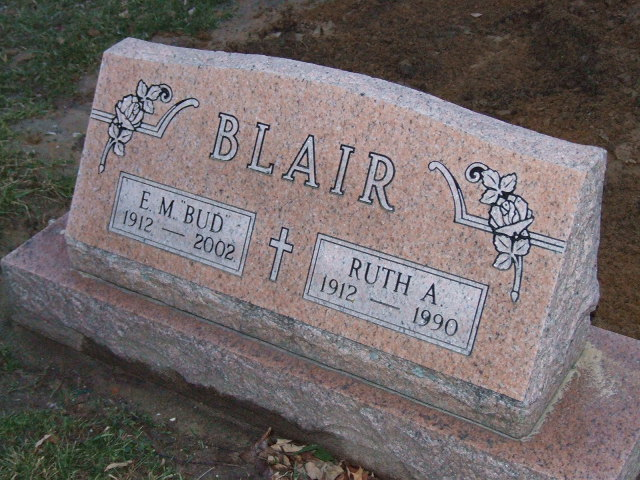 BLAIR Ruth A. dod 1990 & E.M. (BUD) dod 2002 DSCF2264.JPG