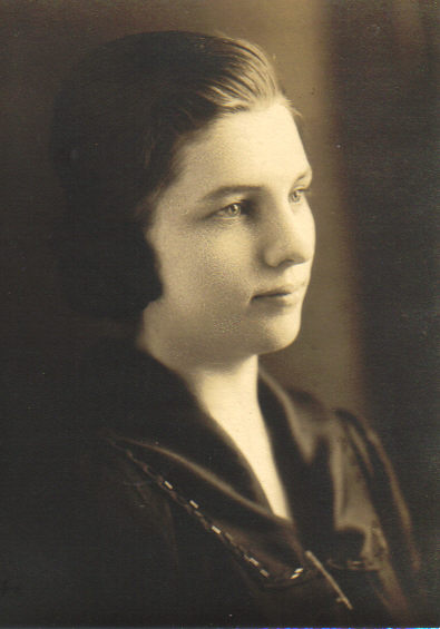 Gladys Crisman, teacher 1923.jpg