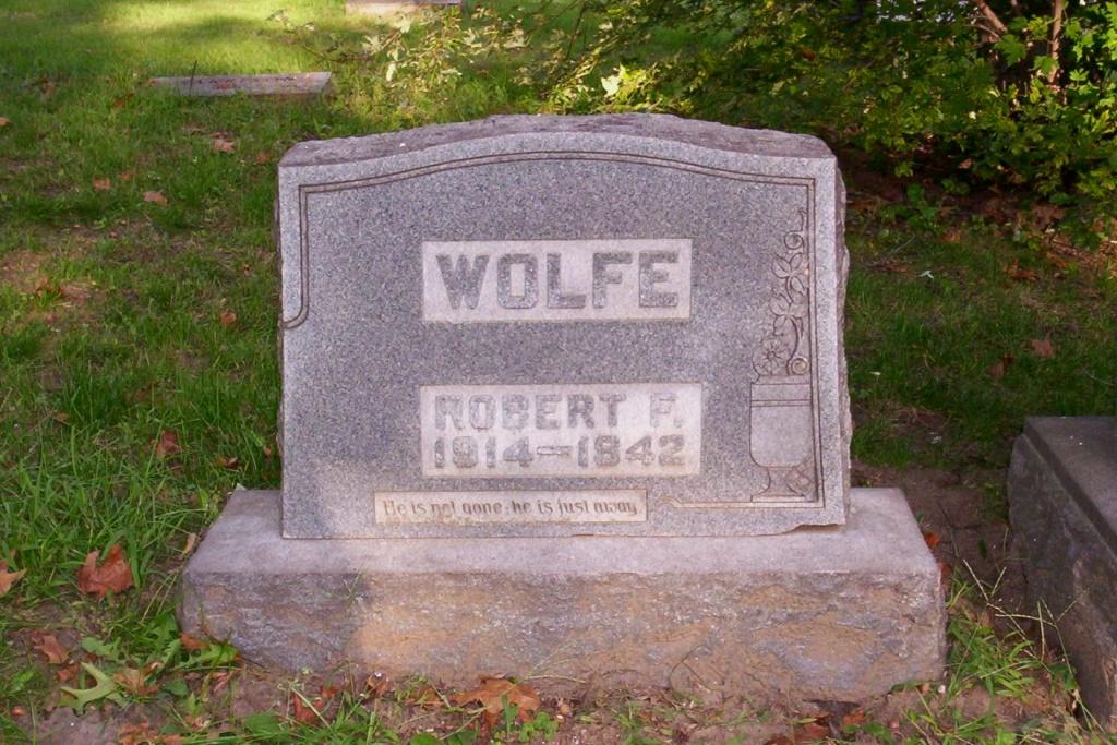 Wolf Robt grave.JPG