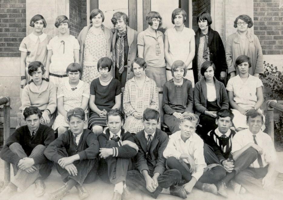 1927 PHS Freshman Class_0.jpg