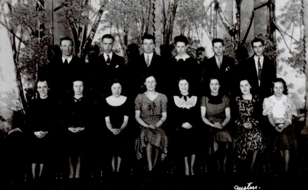 1935 Senior class.jpg
