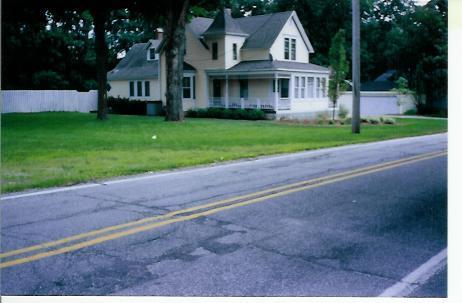 Mahns Home 2004 B.JPG