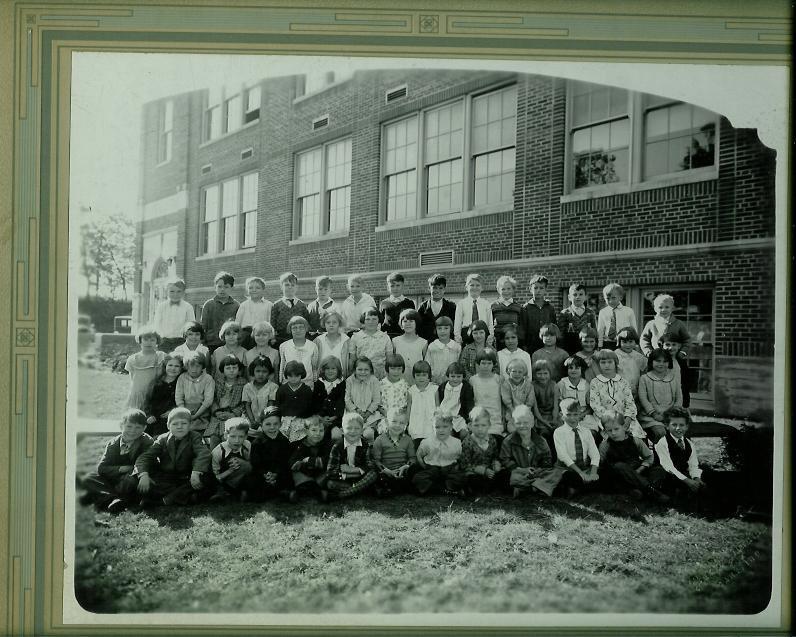 School pic 10-17-31.JPG
