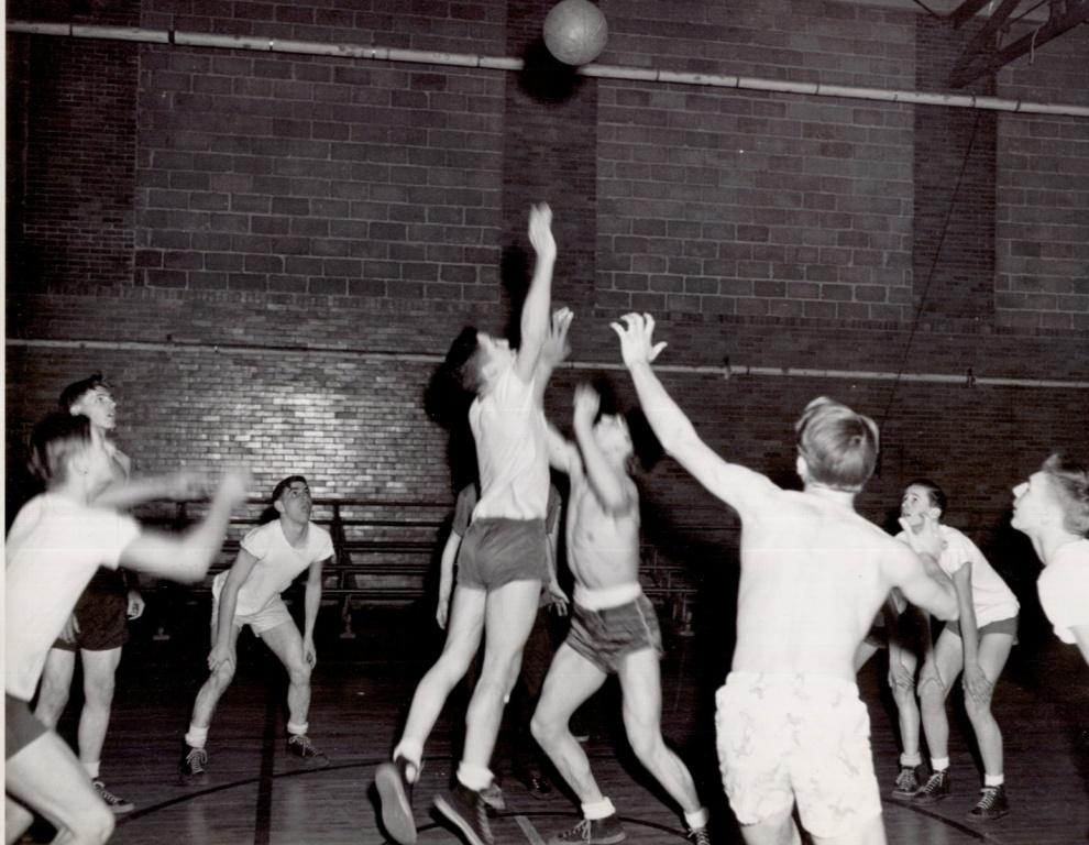 1948 Volleyball 2.jpg