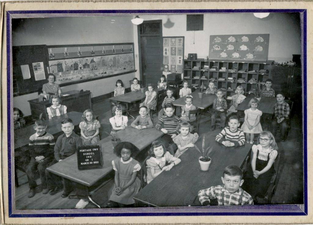 1950 Old Crisman School Grade 1.jpg