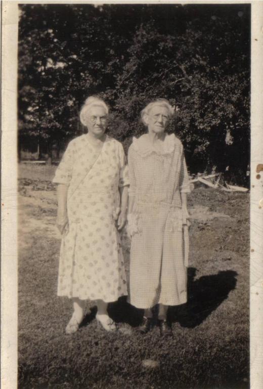 Annie E Blake  (L) and Ida (Blake) Isbey (R).jpg
