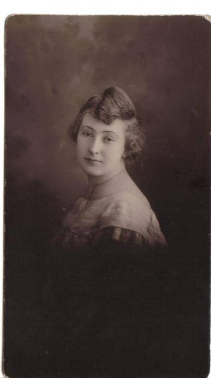 Edith May (Isbey) Kraft.jpg