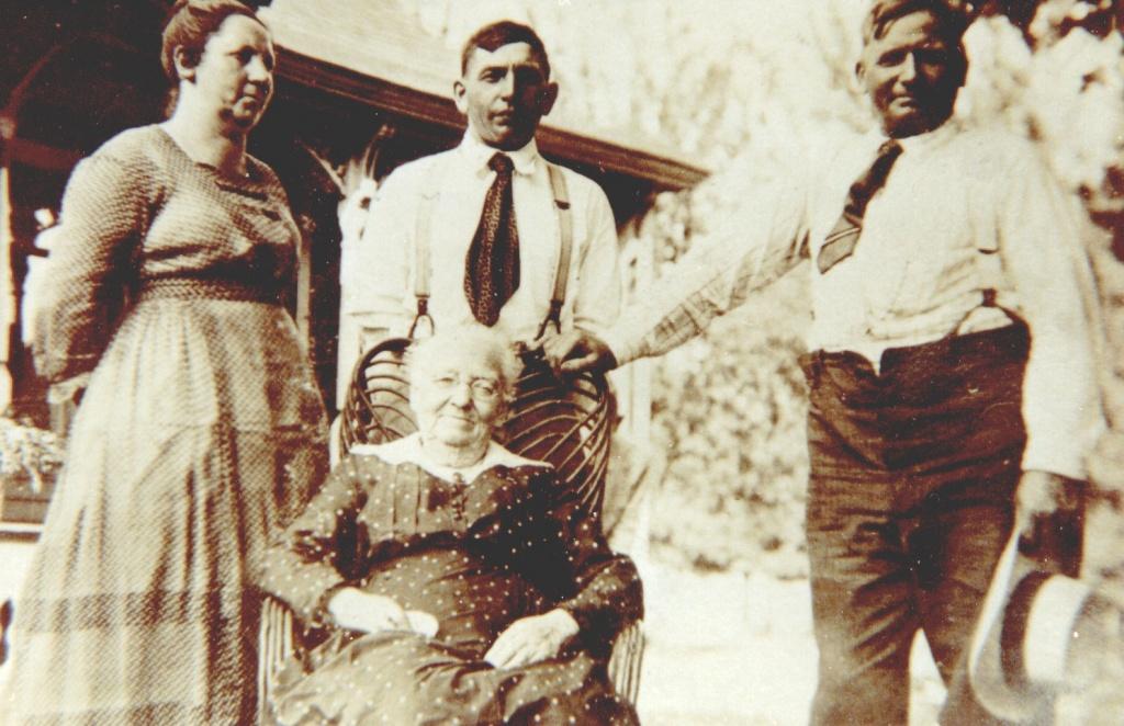 Fifield Maggie John Eugene Lenah.jpg