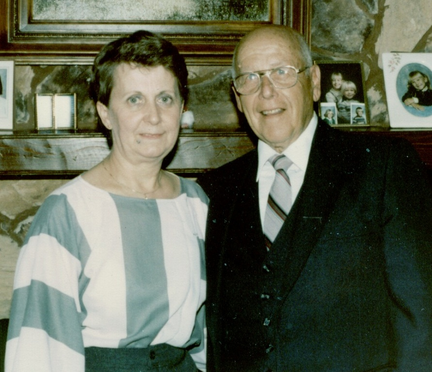 Lloyd Earl & Clarice Fifield.jpg