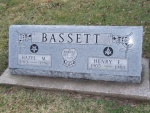 BASSETT Hazel M. dod 1986 & Henry F. dod 1985 DSCF2109.JPG